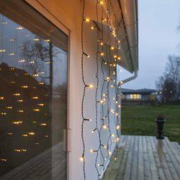 Serie LED ljusgardin 80 LED 1,3x1,3 meterSerie LED ljusgardin 80 LED 1,3x1,3 meter Extra Varmvit