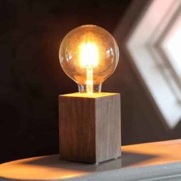 LYS Bordslampa lampfot brun i trä E27 sockel