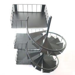 Balkonghylla 51 cm med trappor