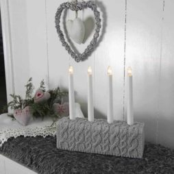 Knitted betongljusstake 4 ljus grå