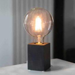 LYS Bordslampa lampfot svart i trä E27 sockel