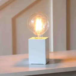 LYS Bordslampa lampfot vit i trä E27 sockel